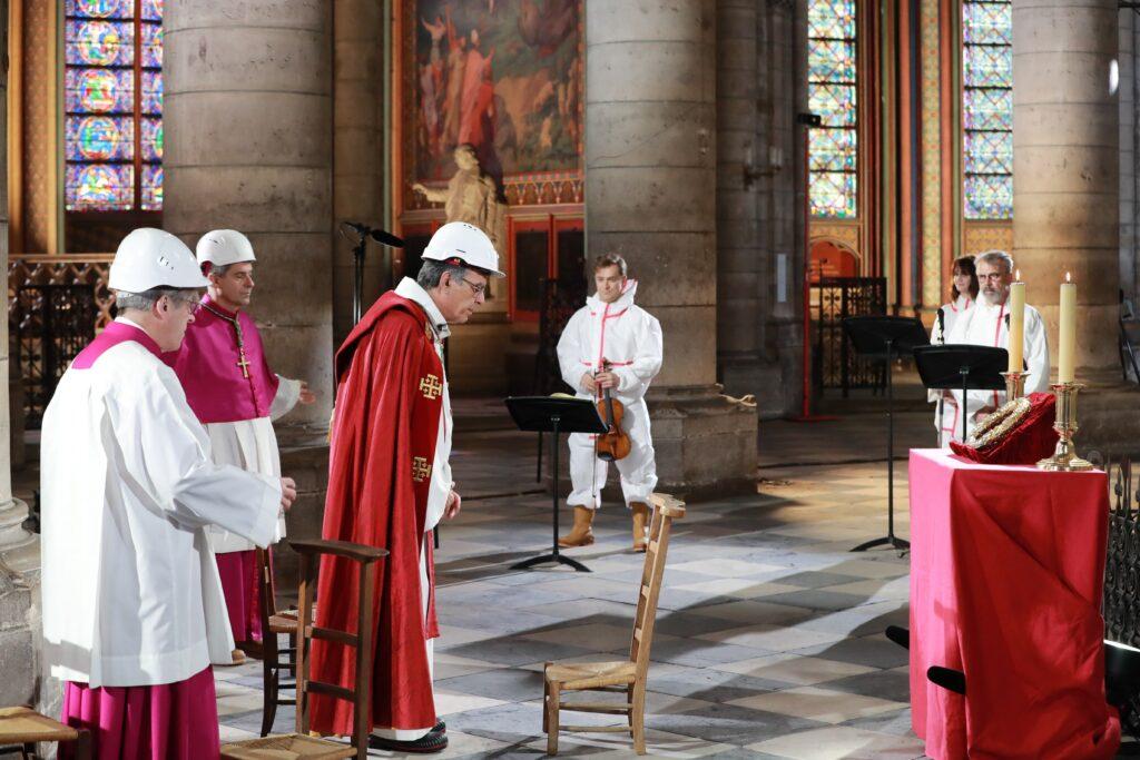 ceremonia viernes Notre Dame