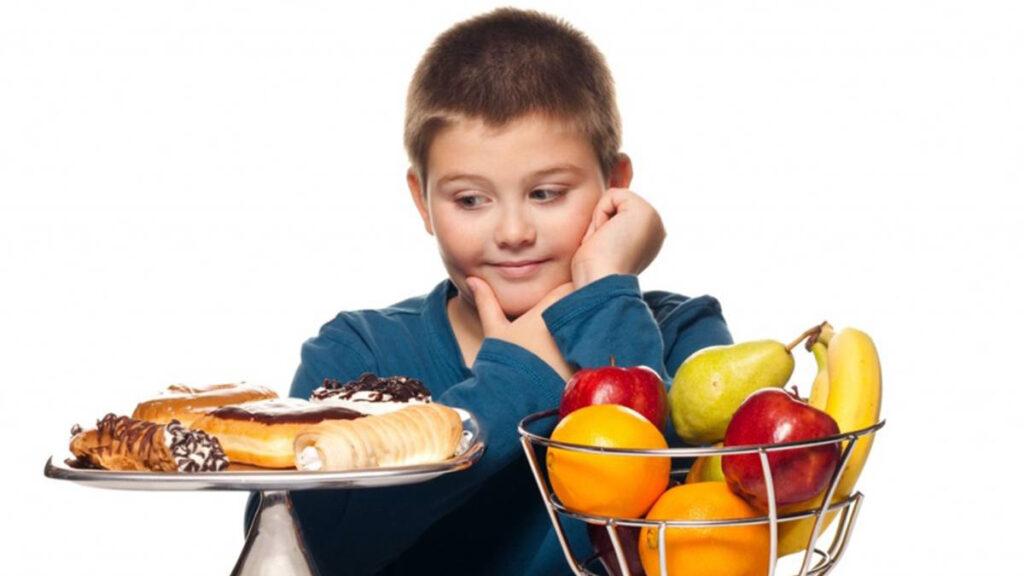 Prevenga la obesidad de sus hijos durante la pandemia