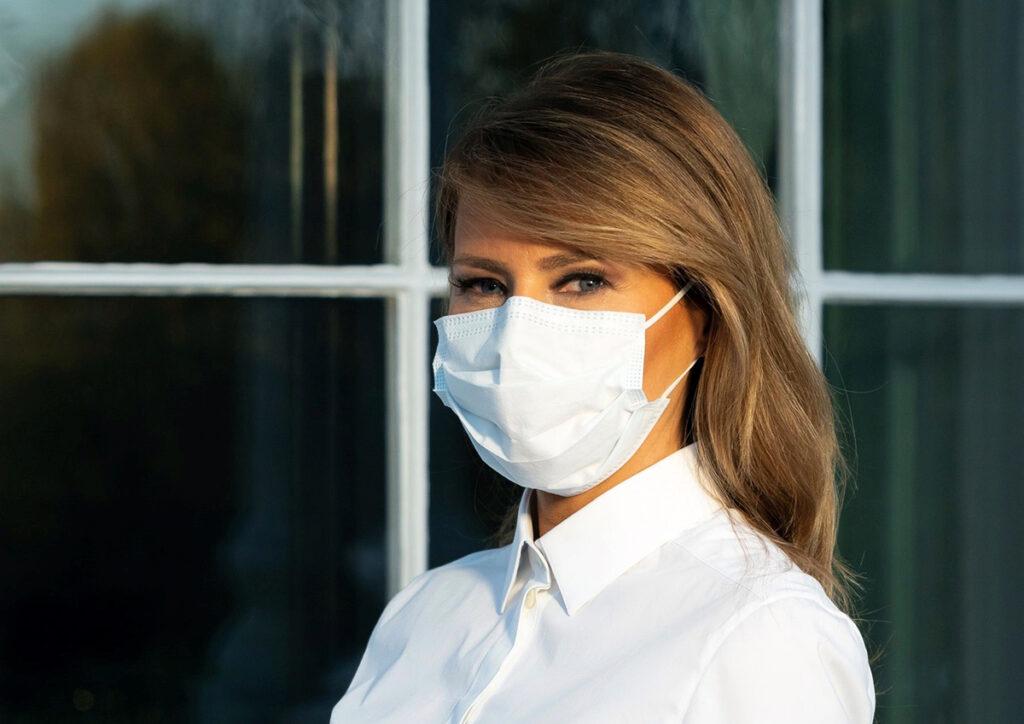 Melania Trump pide llevar mascarilla