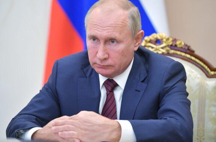 Congreso ruso le otorgaría inmunidad de por vida a Putin en preparación para su posible renuncia en Enero