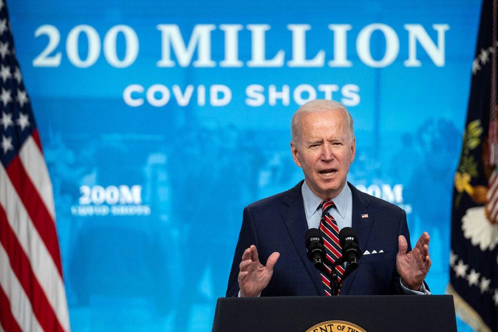 Biden Offers Tax Credit to Encourage Vaccinations Incentivo fiscal para empresas que promuevan vacunación
