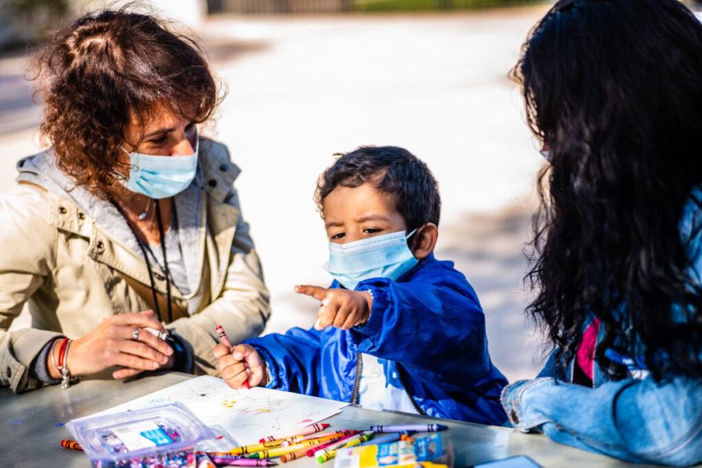 ¿Cómo proteger a los niños que todavía no están vacunados contra el covid-19?