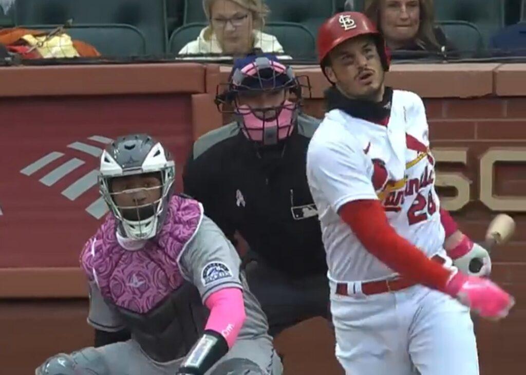 El cardenal Arenado sale inmaculado contra Rockies