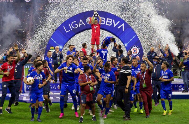 Cruz Azul gana la liga mexicana después de 23 años