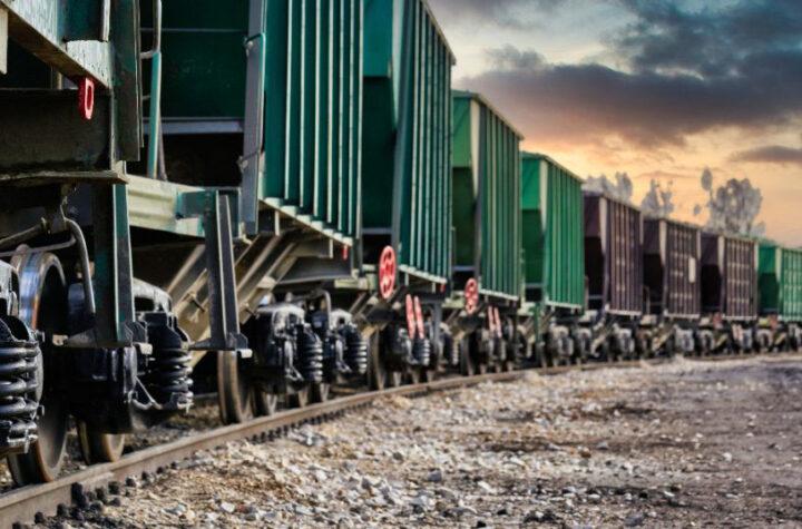 Capturan migrantes en un vagón tolva