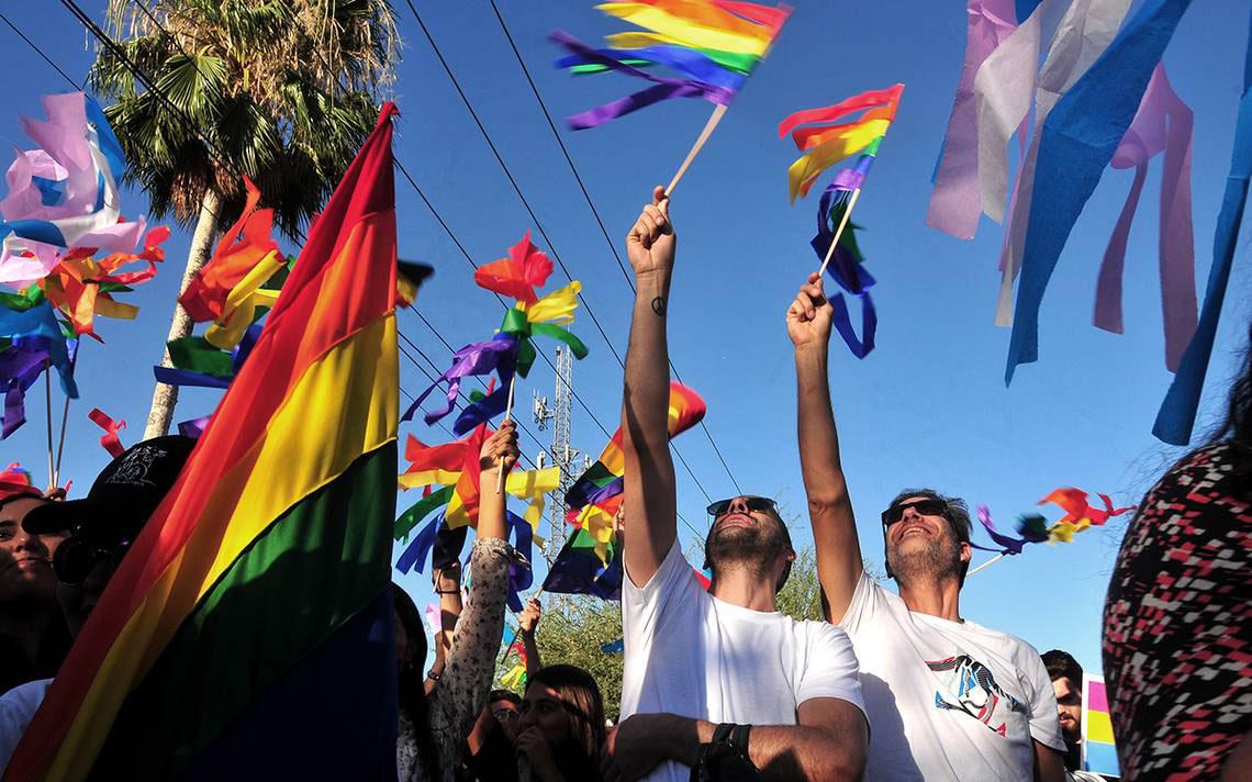 Reconocen matrimonio igualitario