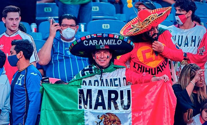 Expulsan hinchas mexicanos por grito homófobo en estadium de los Broncos