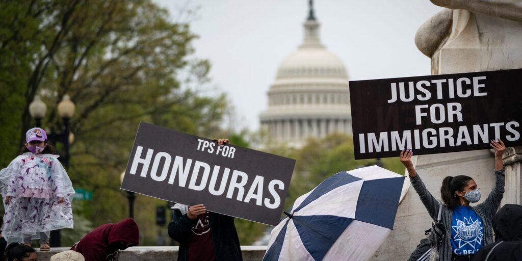 """Supremo niega la """"tarjeta verde"""" a tepesianos que entraron ilegalmente a EEUU"""