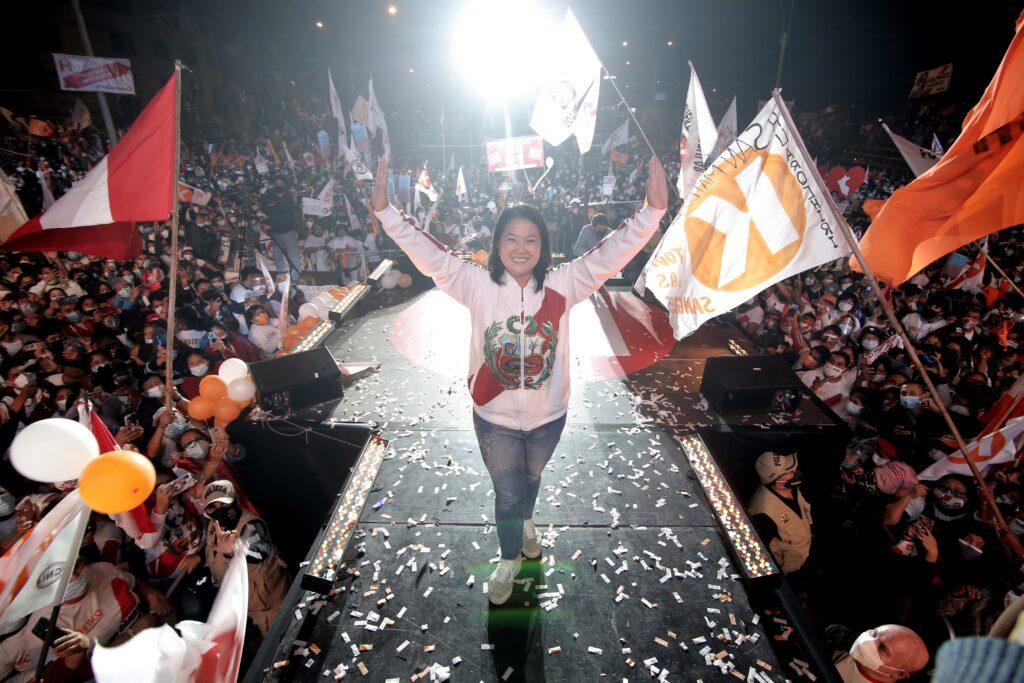 """Fujimori pide """"salvar a Perú del comunismo"""""""