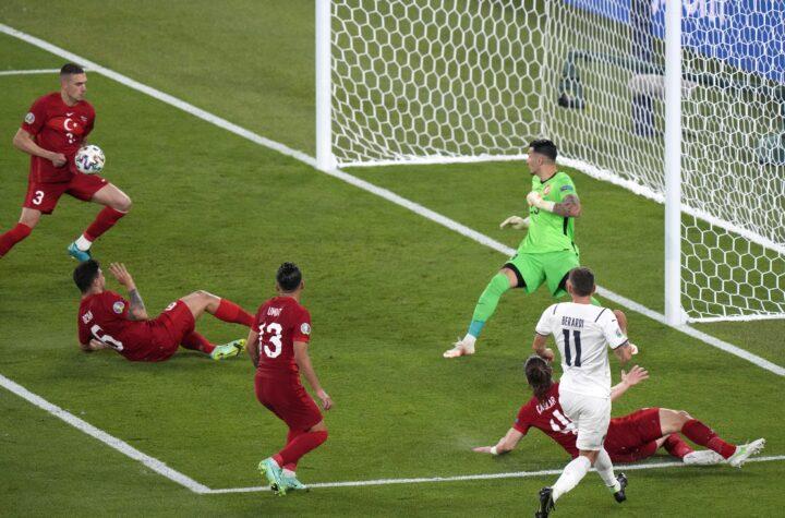 Victoria de Italia en primera jornada de la Eurocopa