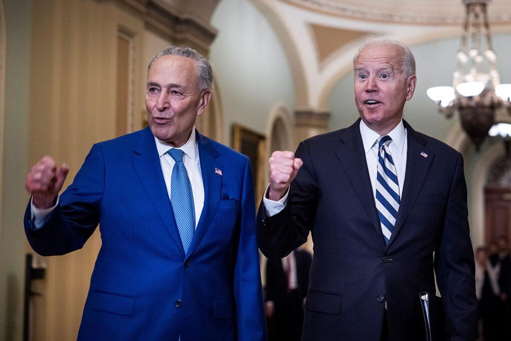 Partial Immigration Reform Approved by Democrats Reforma migratoria parcial acuerdan los demócratas