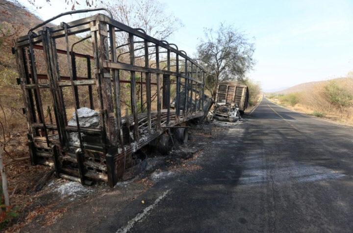 Autoridades lanzan ofensiva contra narcos en Michoacán