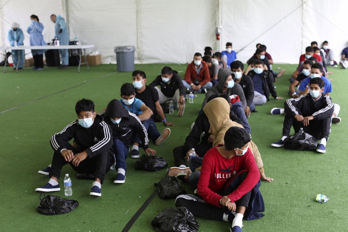 Lanzan programa para ayudar a niños migrantes en la frontera