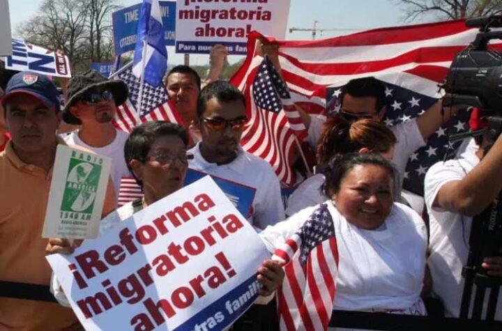 Árbitro del Senado detiene plan migratorio de Biden