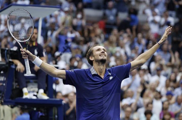 """Medvedev: """"Salí mentalizado de que podía superar a Djokovic con mi juego"""""""