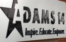 Restablecen acreditación del Adams 14